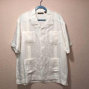 NWOT. Cubavera button down shirt with pockets